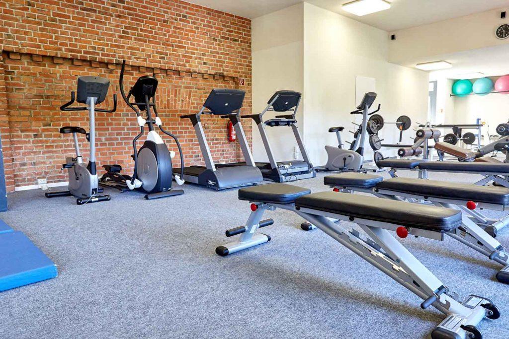 Geräte im Fitnessstudio